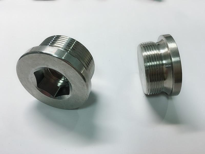 изготовленный на заказ болт из нержавеющей стали с кольцом для ключей ss